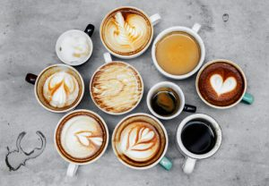 cups ewith different types of coffee drinks