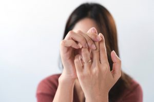 woman wih neuropathy